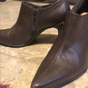 Kenneth Cole Reaction Booties/Heels 7.5